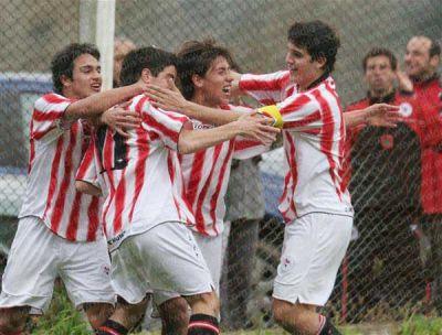 El ajuste llega al fútbol juvenil