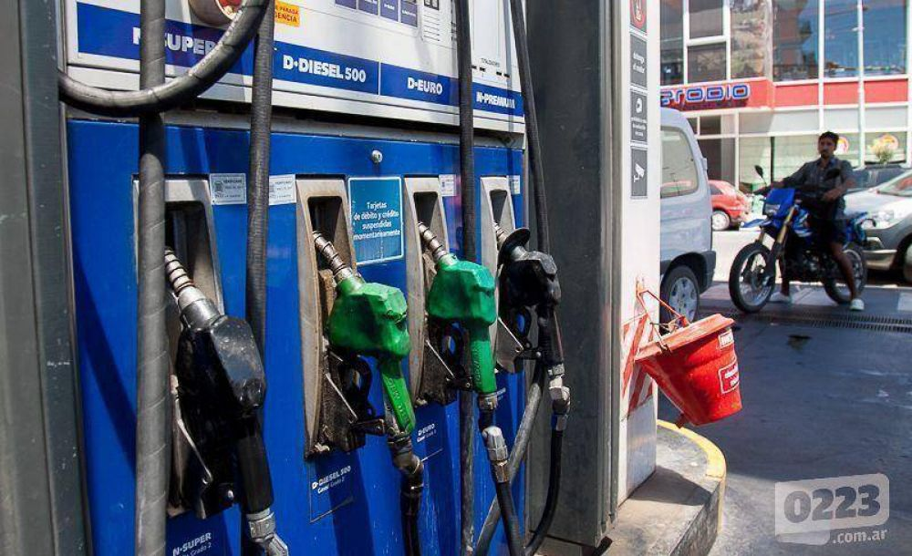 """Estacioneros """"calculan"""" que no faltará combustible este verano en Mar del Plata"""