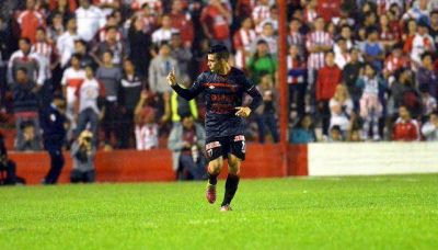 Cristian Pavón, tras ascender con Colón, vuelve a Boca