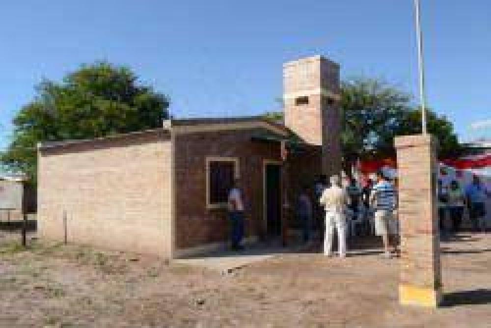Familia de la ciudad de Añatuya fue beneficiada con una viviensa social