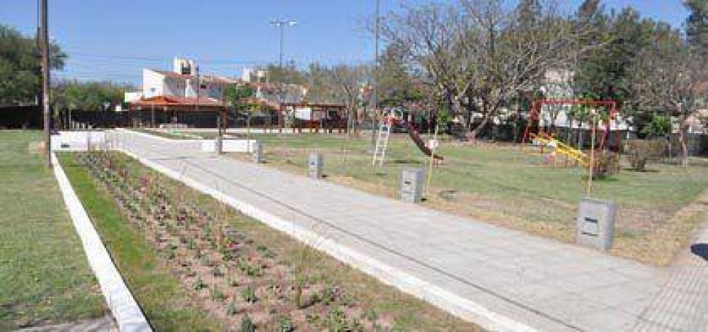 """Avanza la obra de remodelación de la Plaza """"General Juan José Valle"""", ex Plaza Aramburu"""