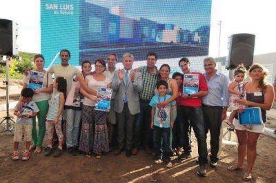 24 familias de Potrero de los Funes van a brindar el año nuevo en su casa propia