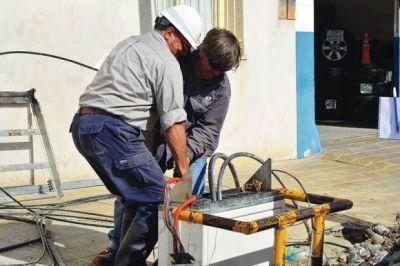 Se realizan trabajos de reparación para recomponer el servicio de telefonía e Internet