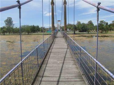 El puente necesita una pronta reparación