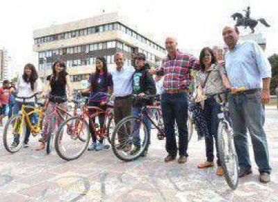 Cien bicicletas que vuelven a rodar