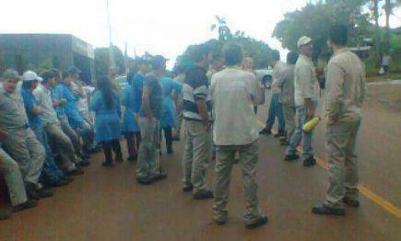 """Trabajadores de """"La Arminda"""" reclaman sus sueldos adeudados"""