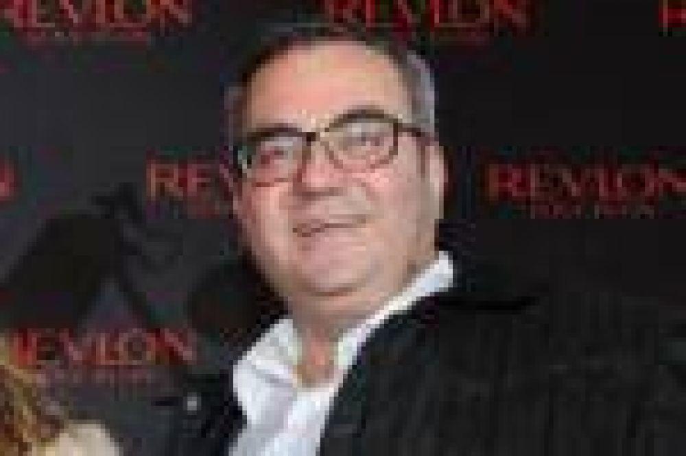 Un ex empleado de Revlon demandó a la empresa por despedirlo por ser judío