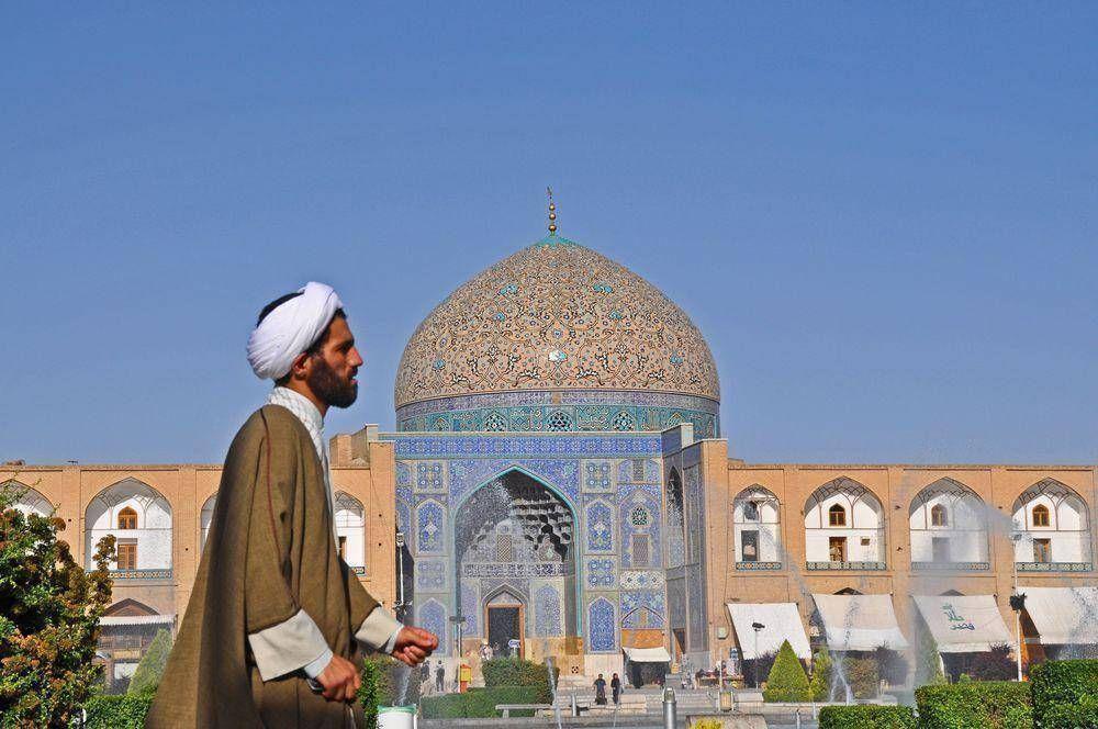 Irán ayuda a los cristianos perseguidos en Iraq y Siria