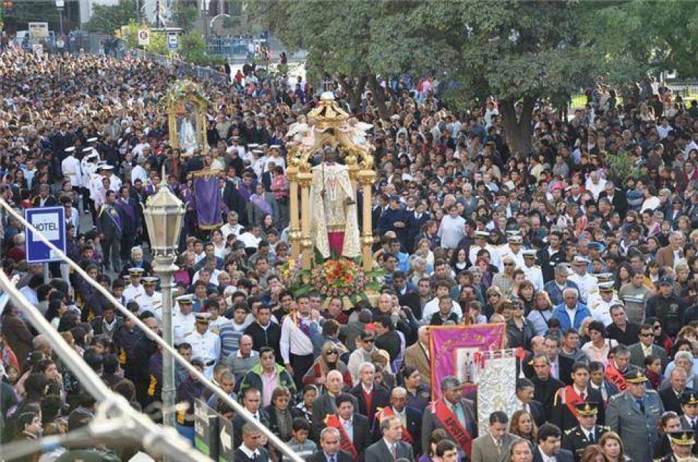 Miles de riojanos revivieron el tradicional Tinkunaco