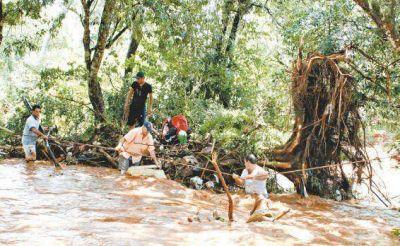 Cuatro muertos y un desaparecido por temporal de viento y lluvia en Misiones