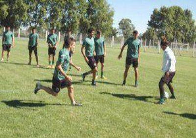 Sarmiento intensificará la contratación de refuerzos