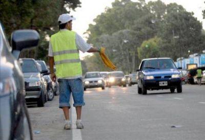 """Los """"trapitos"""" dueños de las calles, avenidas y rutas de Mar del Plata…Ni la Policía de Scioli puede frenarlos"""
