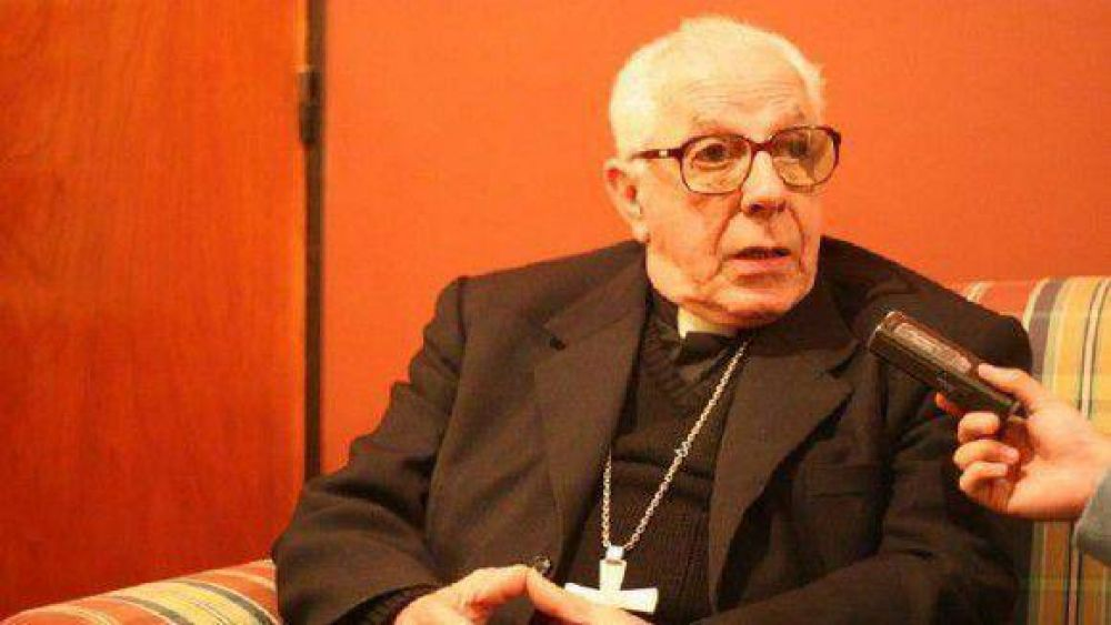 El papa Francisco nombró cardenal al argentino Luis Héctor Villalba