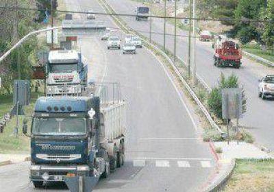 Se oponen a que los camiones petroleros entren a los barrios