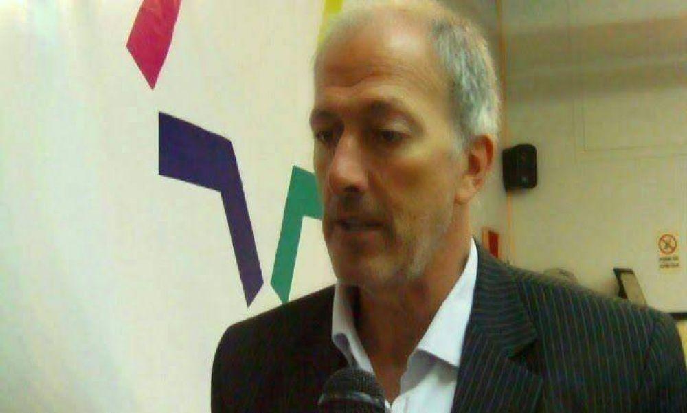Knoblovits: ''Condenamos las declaraciones de Zaffaroni e instamos a que dejen de comparar situaciones incomparables''