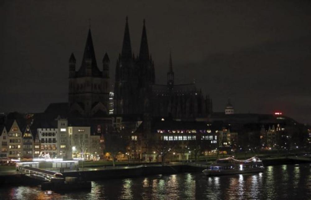 Apagan luces de monumentos emblemáticos contra la islamofobia