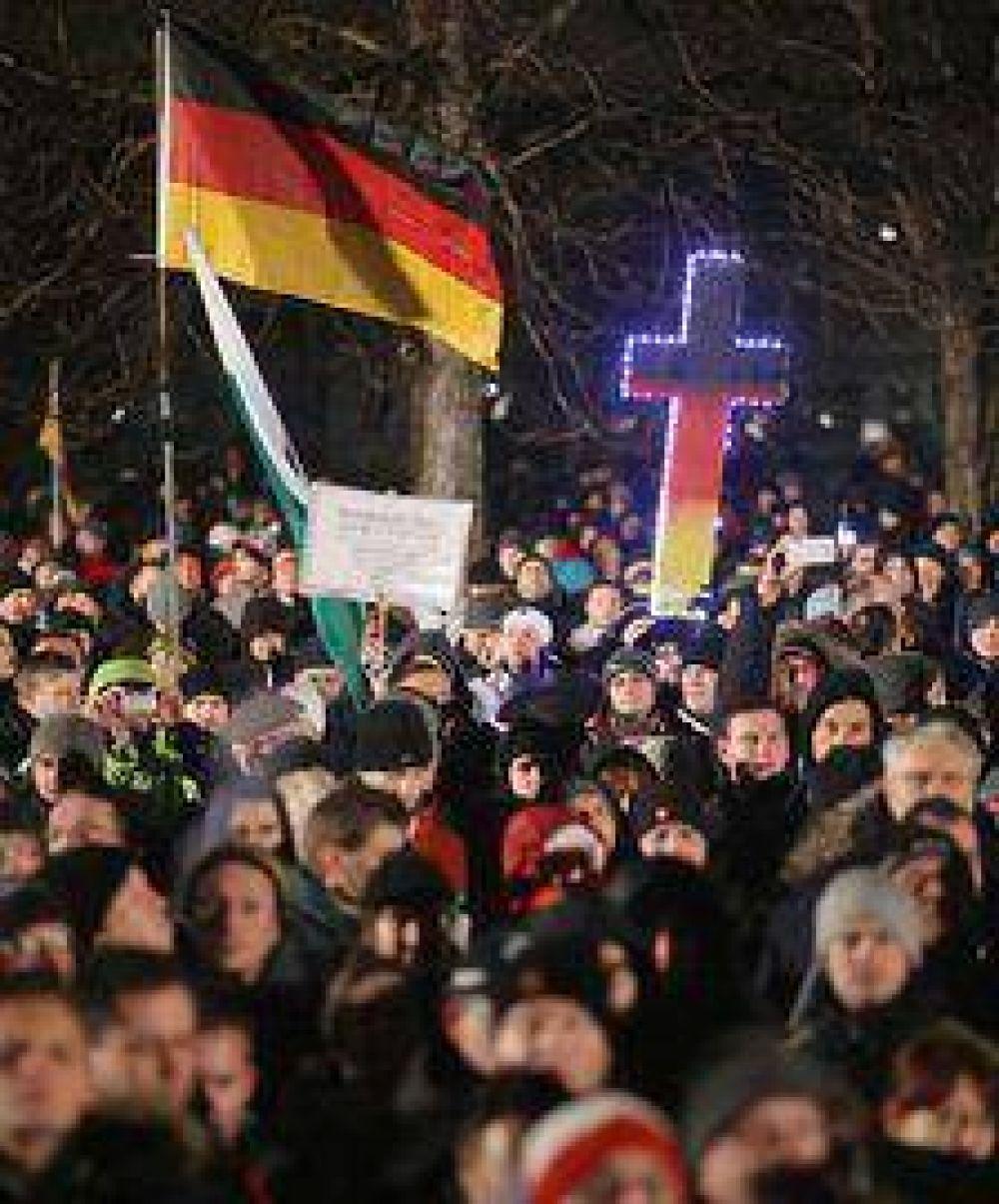 Los islamófobos desafían a Merkel y vuelven a marchar en Dresde