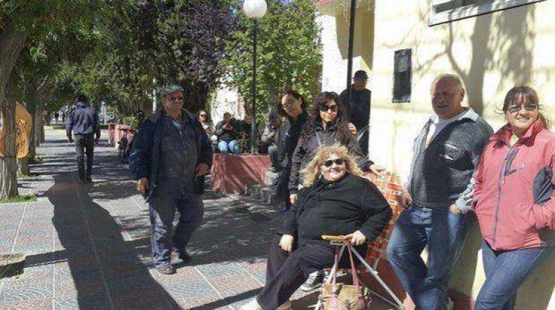 Municipales de Sarmiento reclaman bono de $ 3.500 y mejoras laborales