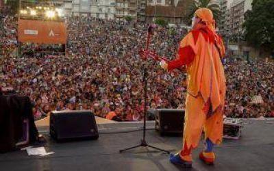 Mar del Plata: Pi��n Fijo hizo bailar a 15 mil personas en DiverMar