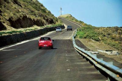 Vialidad Provincial realizará un estudio profundo de suelos para mejorar el estado del Camino Perón