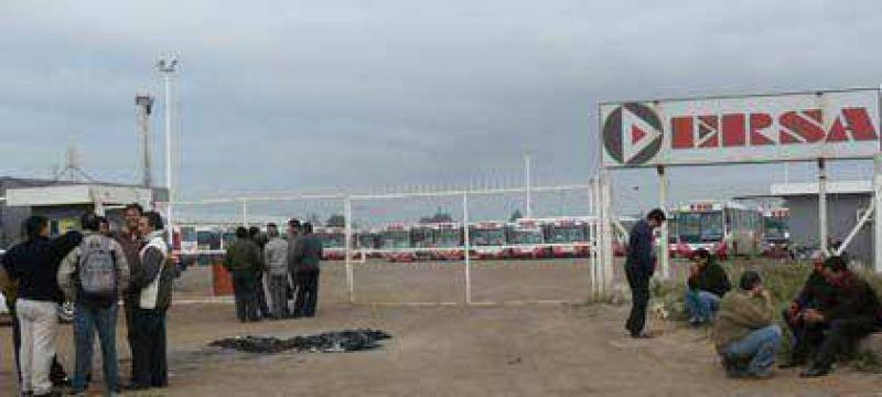 Sorpresivo paro de los choferes de ERSA deja sin transporte a la ciudad Capital