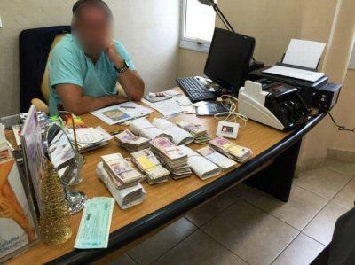 Secuestran más de $1.500.000 a famoso cirujano por evasión