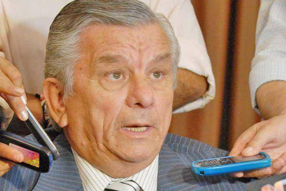 El intendente Infante mostró su fastidio por la situación que vivieron los usuarios
