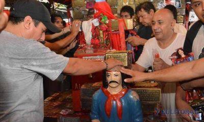 Bendecidas por la lluvia, más de 200 mil personas honraron al gaucho Antonio Gil