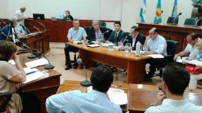 El secretario de Obras Públicas fue al Concejo a explicar el presupuesto con custodia policial