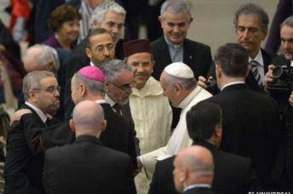 Papa Francisco saludó a musulmanes que participan en diálogo interreligioso