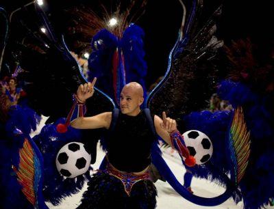 """El carnaval de la """"argentinidad"""": el Papa, el tango y el fútbol brillaron en Gualeguaychú"""