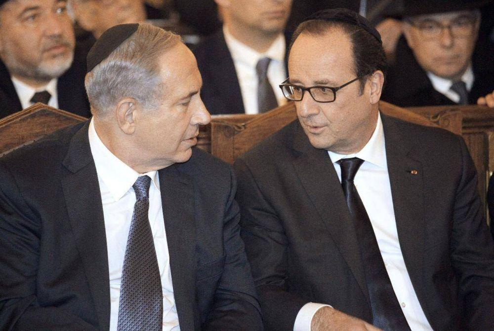 Hollande homenajea a las víctimas en la gran sinagoga de París