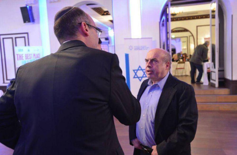 En París, Sharansky asiste personalmente a la comunidad judía para su futura emigración a Israel por la crisis de antisemitismo