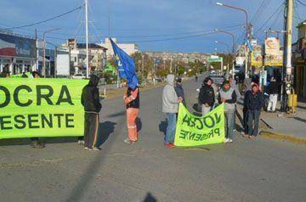 Nuevo reclamo de UOCRA frente a la Municipalidad