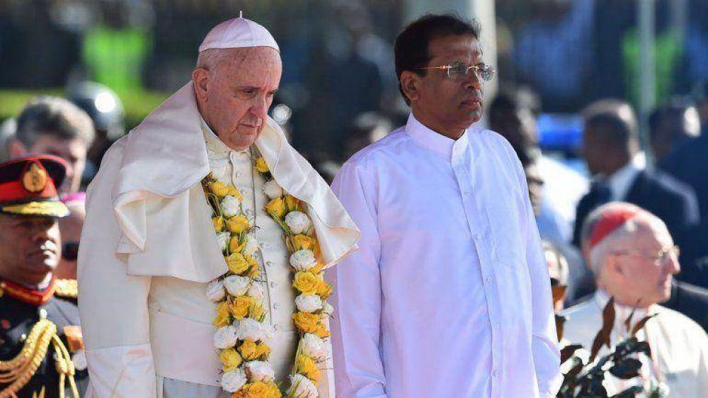 Francisco pidió respeto entre las religiones para conseguir la reconciliación y la paz