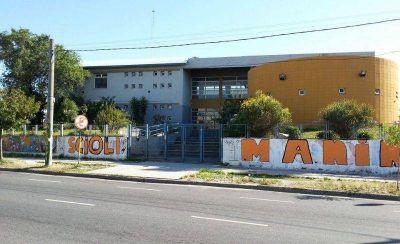 Ni la escuela se salvó de la ola naranja
