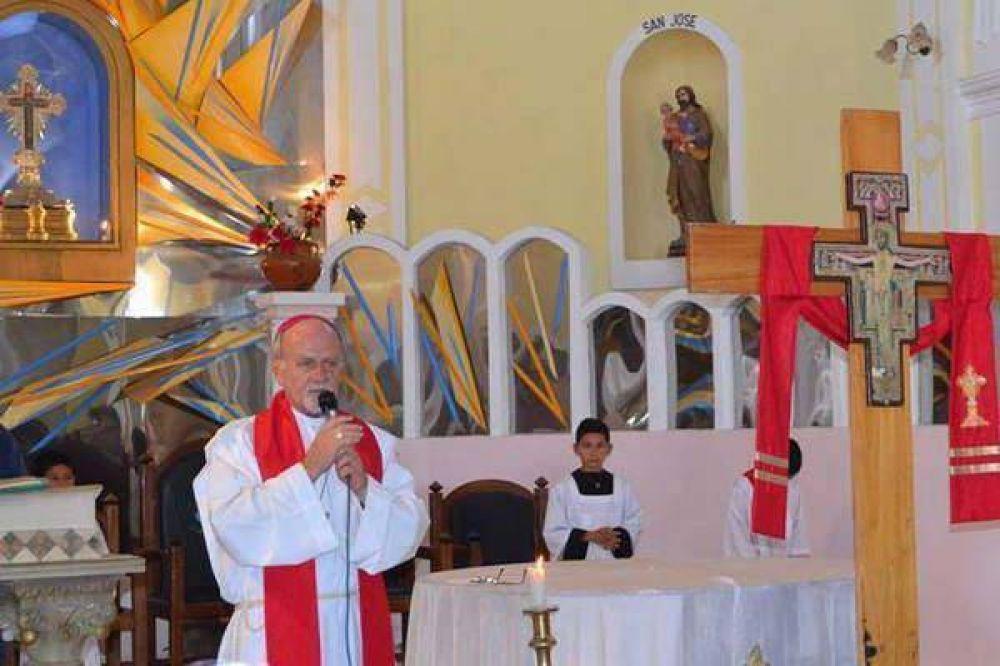 La Cruz Misionera visita Santiago con grandes muestras de fe y devoción