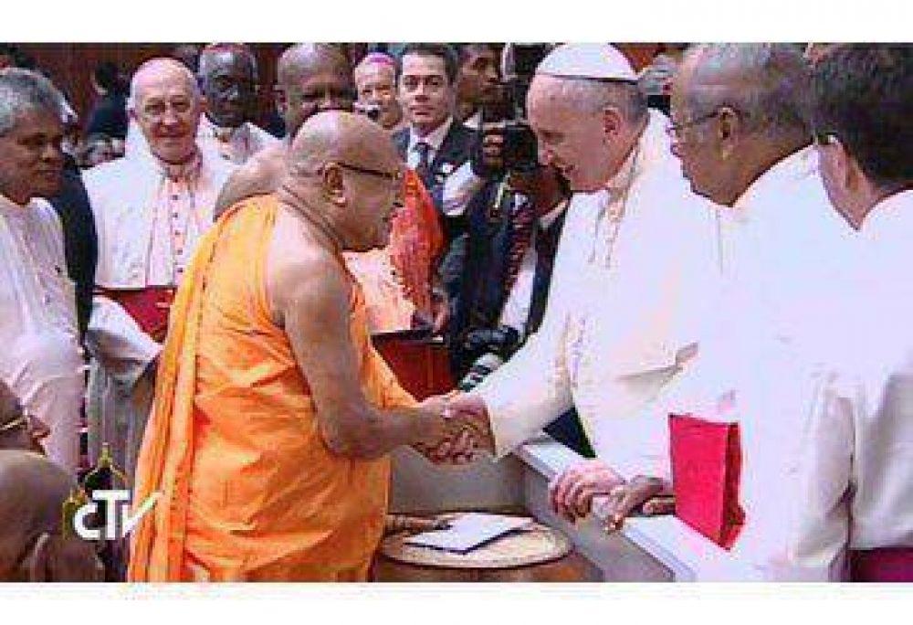 Papa: religiones de Sri Lanka y mundo impulsen paz y solidaridad, nunca violenci