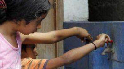 OSSE y el municipio de Albard�n prometieron solucionar la falta de agua en Las Tierritas