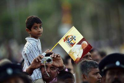 """El Papa pidió a la Virgen que los habitantes de Sri Lanka sepan """"dar y recibir perdón"""""""