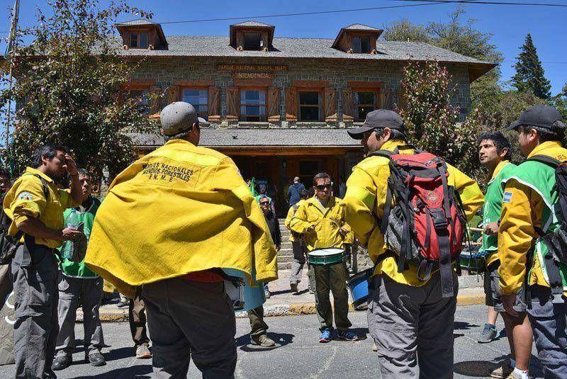 Trabajadores de ATE ocuparon intendencia del Parque Nacional Nahuel Huapi