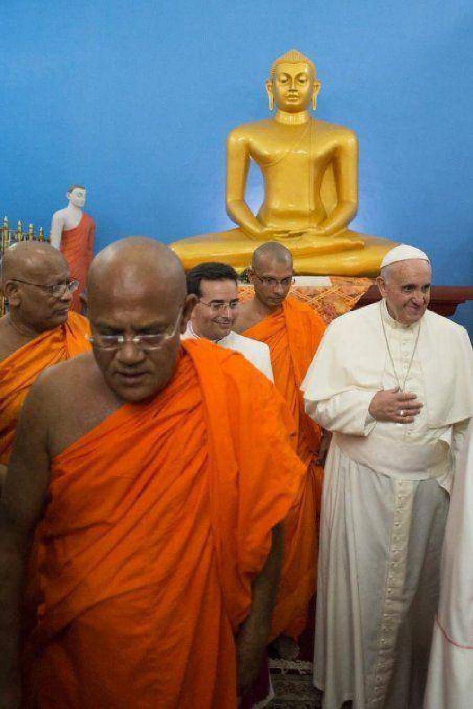 El papa Francisco abandonó Sri Lanka con un mensaje de reconciliación
