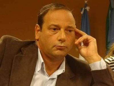 Exclusivo: Petruccelli pidió se convoque a un encuentro multisectorial por los caminos