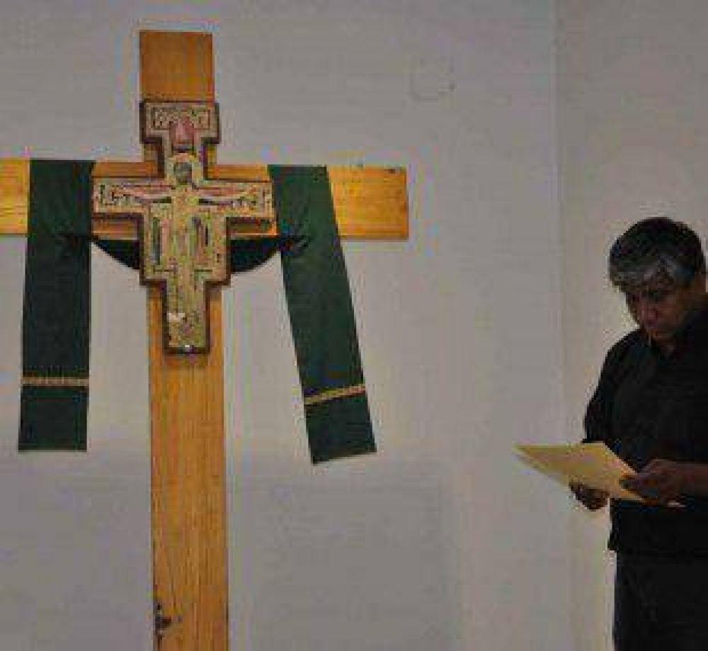 La Cruz de San Damian visitó la sede gubernamental