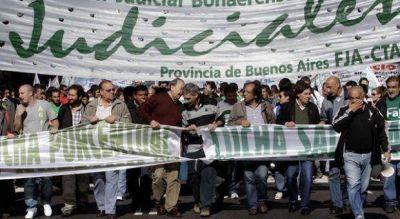 Judiciales no aceptaron la oferta del gobierno de Scioli porque beneficia a los jueces