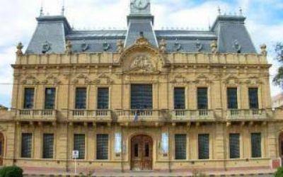 Coronel Suárez: Funcionarios a los golpes en el Palacio Municipal