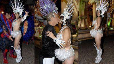 Cari Nara se calzó las plumas y enseñó su cuerpo en el carnaval de Gualeguaychú