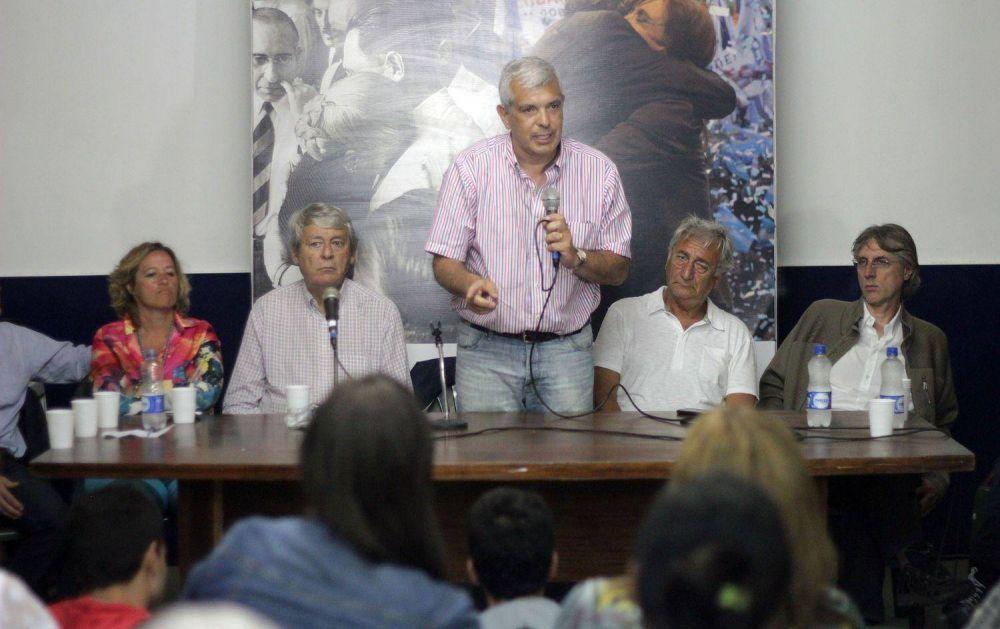Julián Domínguez visitó el PJ de Mar del Plata
