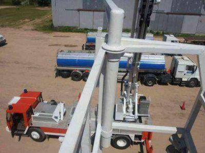 Pruebas en el puerto con el camión hidroelevador