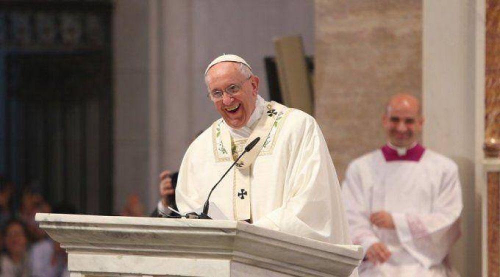Francisco es un Papa de sorpresas… y Dios lo sorprendió a él en Filipinas, dice Obispo